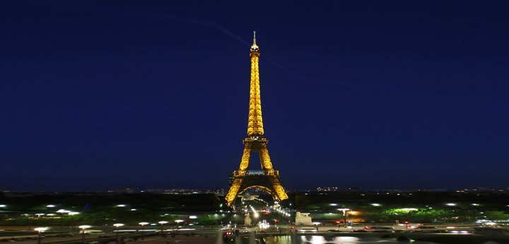 El uso como torre de telefonía y radio evitaron el desmantelamiento de la torre Eiffel